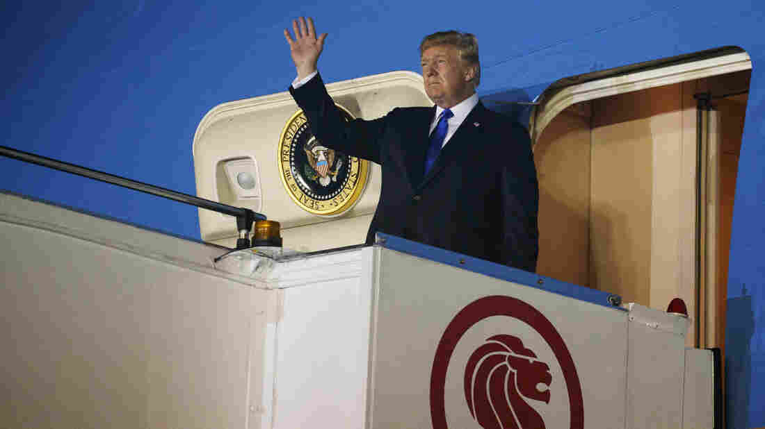 Donald Trump Arrives in Singapore For Historic US-North Korea Summit