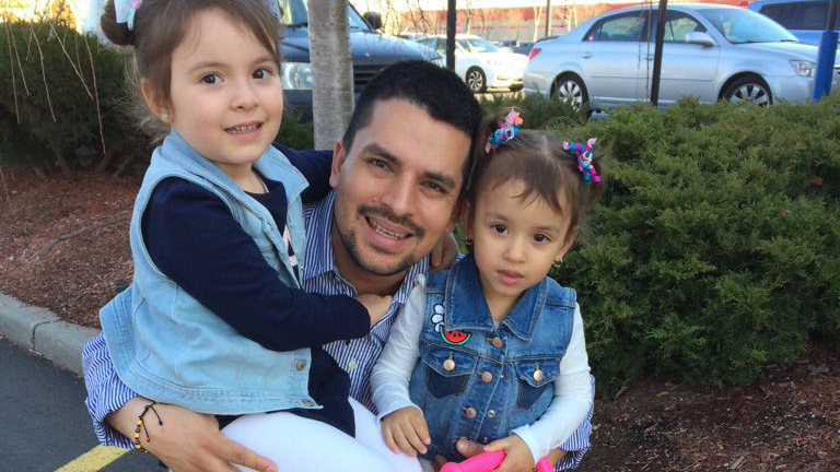 Illegal immigrant pizza worker's deportation temporarily blocked by judge's ruling