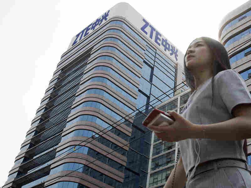 Chinese Telecom Giant ZTE Resumes Trading, Drops 39% After Deal With US