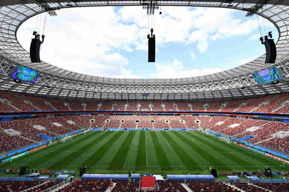 Russian Federation throttles Saudi Arabia, as hosts start strong in World Cup