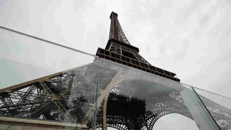 Eiffel Tower Now Has Bulletproof Glass Walls To Protect Against Terror Attacks