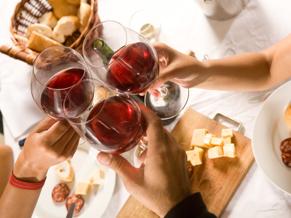 a study of alcohol The national institutes of health (nih) has put the brakes on a controversial study that was designed to investigate whether alcohol may have cardiovascular benefits for some people.