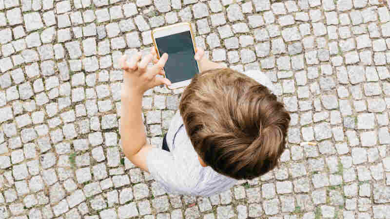 A Look At Social Media Finds Some Possible Benefits For Kids