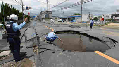 Magnitude 6.1 Quake Strikes Japan, Killing 4, Injuring Hundreds