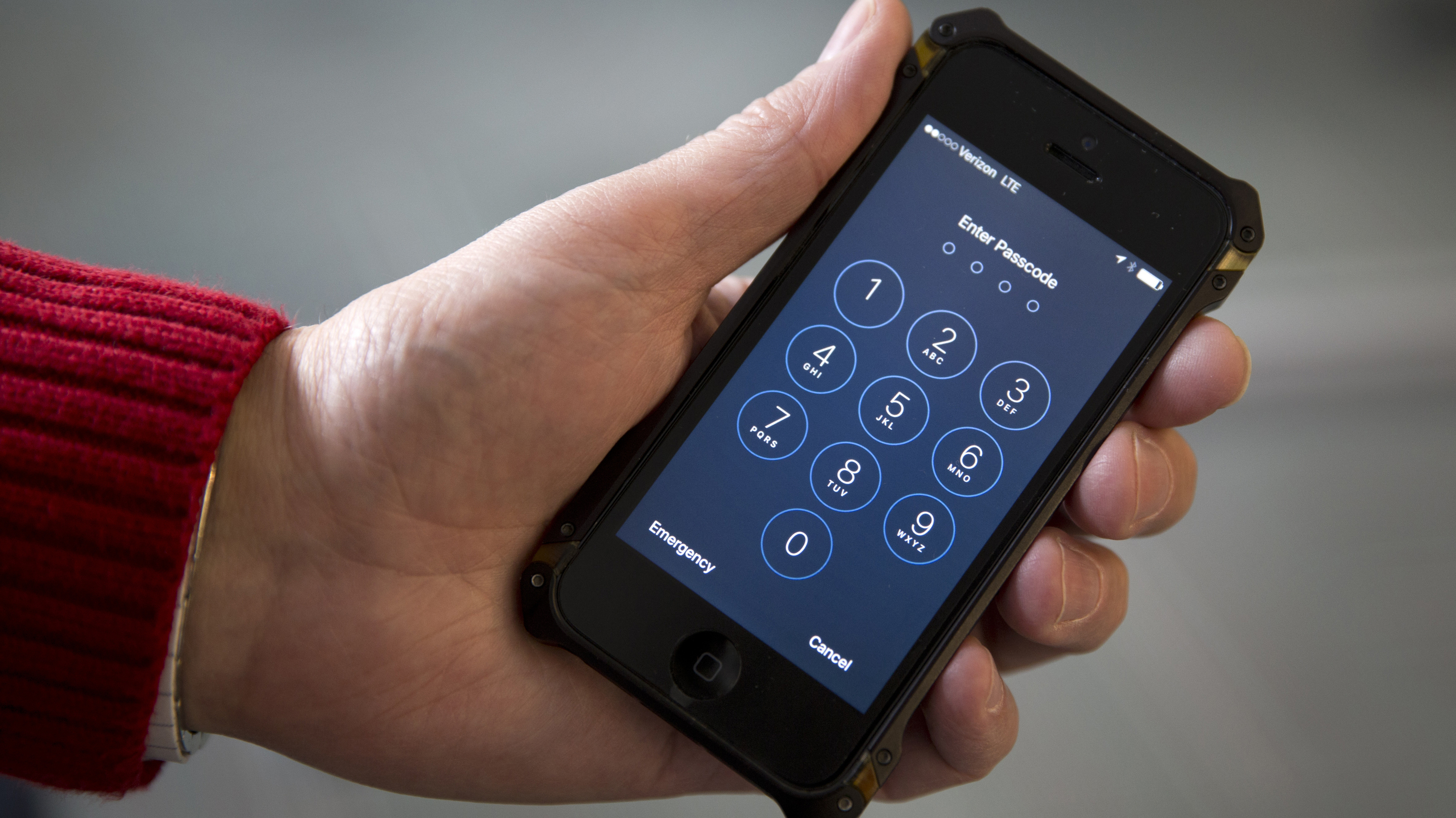 In Major Privacy Win, Supreme Court Rules Police Need Warrant To Track Your Cellphone