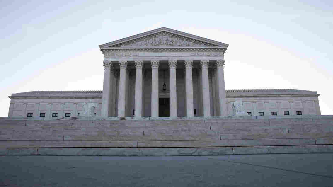 US Supreme Court Upholds Trump's Travel Ban