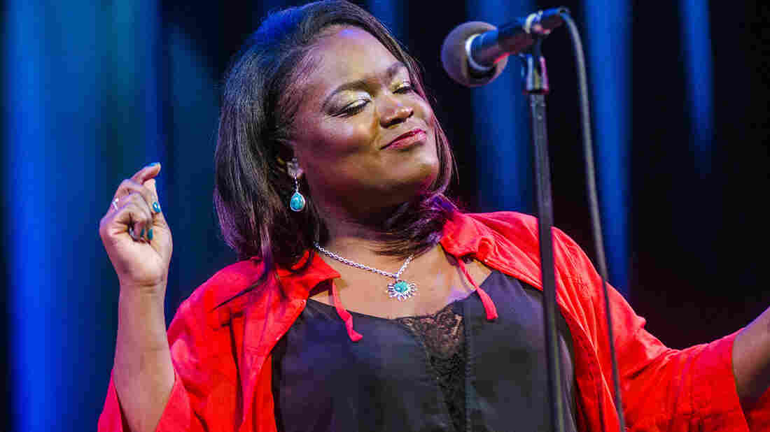 Shemekia Copeland live in concert.