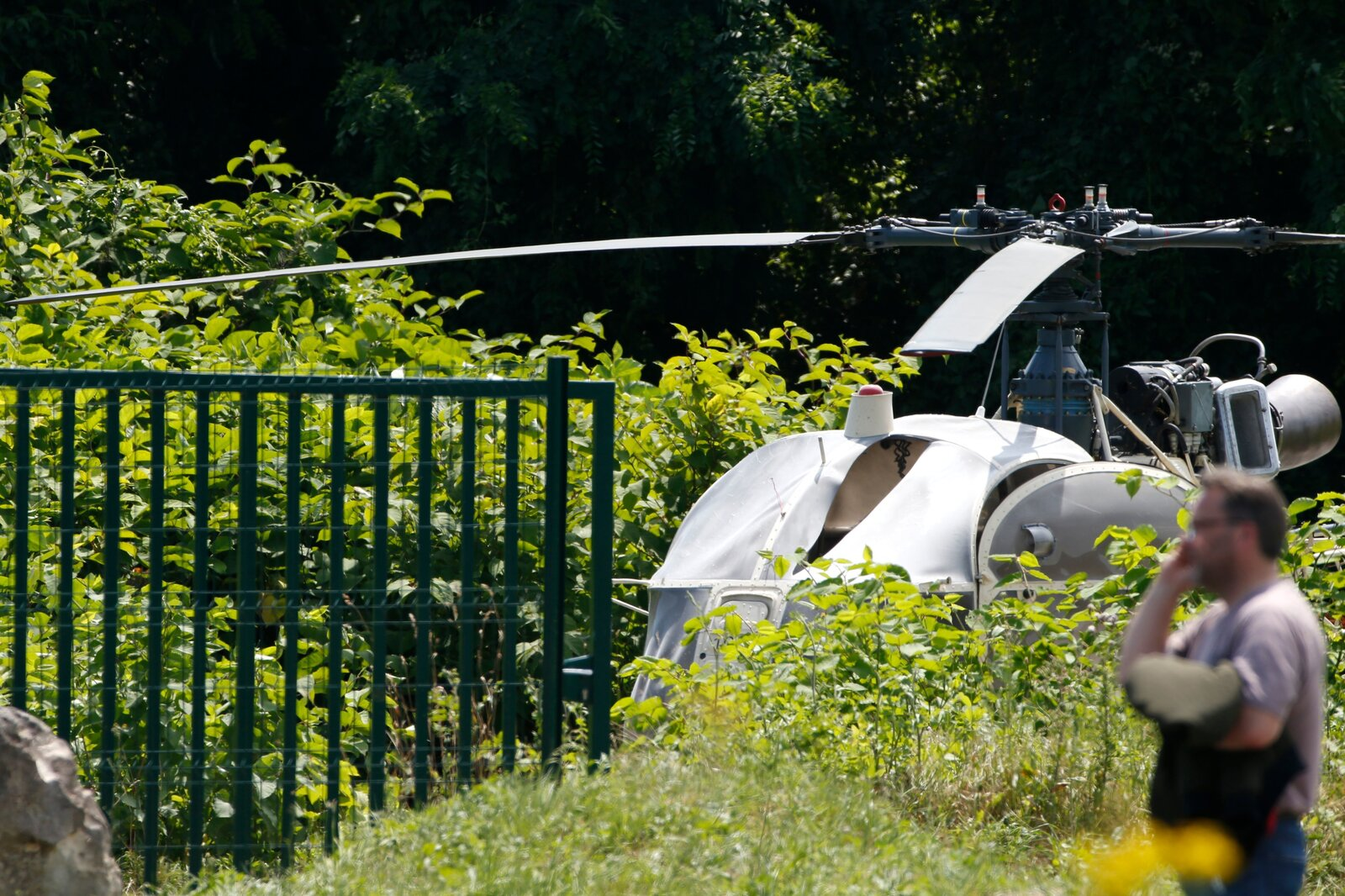 Infamous French criminal escapes prison in helicopter