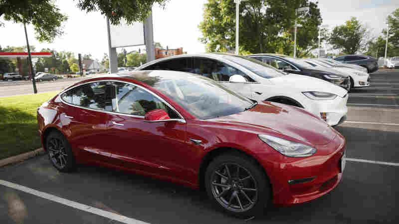 Elon Musk Hails Tesla Reaching Goal Of 5,000 Model 3s A Week
