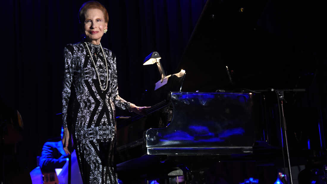 Barbara Carroll performing at the New York Sheraton Hotel & Tower in June 2016 in New York City.