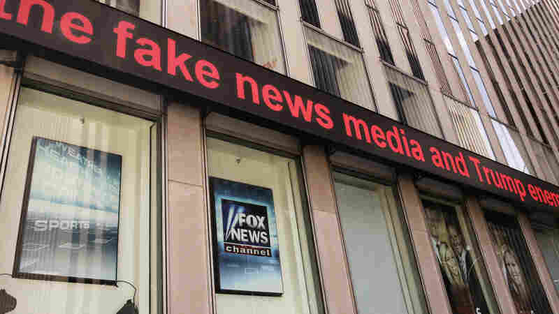 Journalist Sees 'Almost No Daylight' Between Fox News And White House Agendas