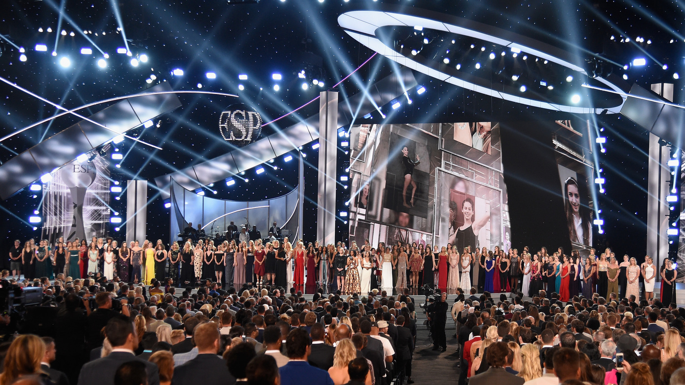 More Than 140 'Sister Survivors' Of Larry Nassar Abuse Are Honored At ESPYS : Iconic Sports Pics- SportzPoint