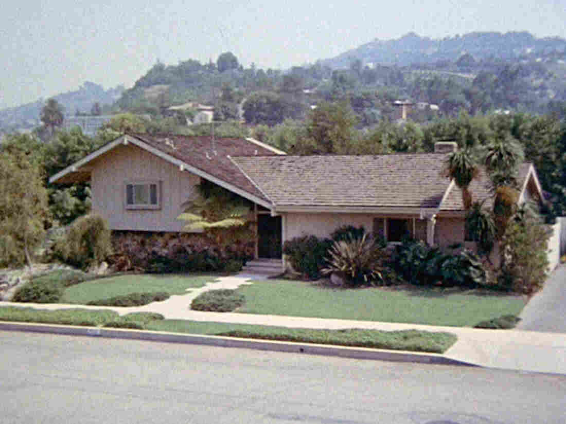 Iconic house featured in 'Brady Bunch' up for sale