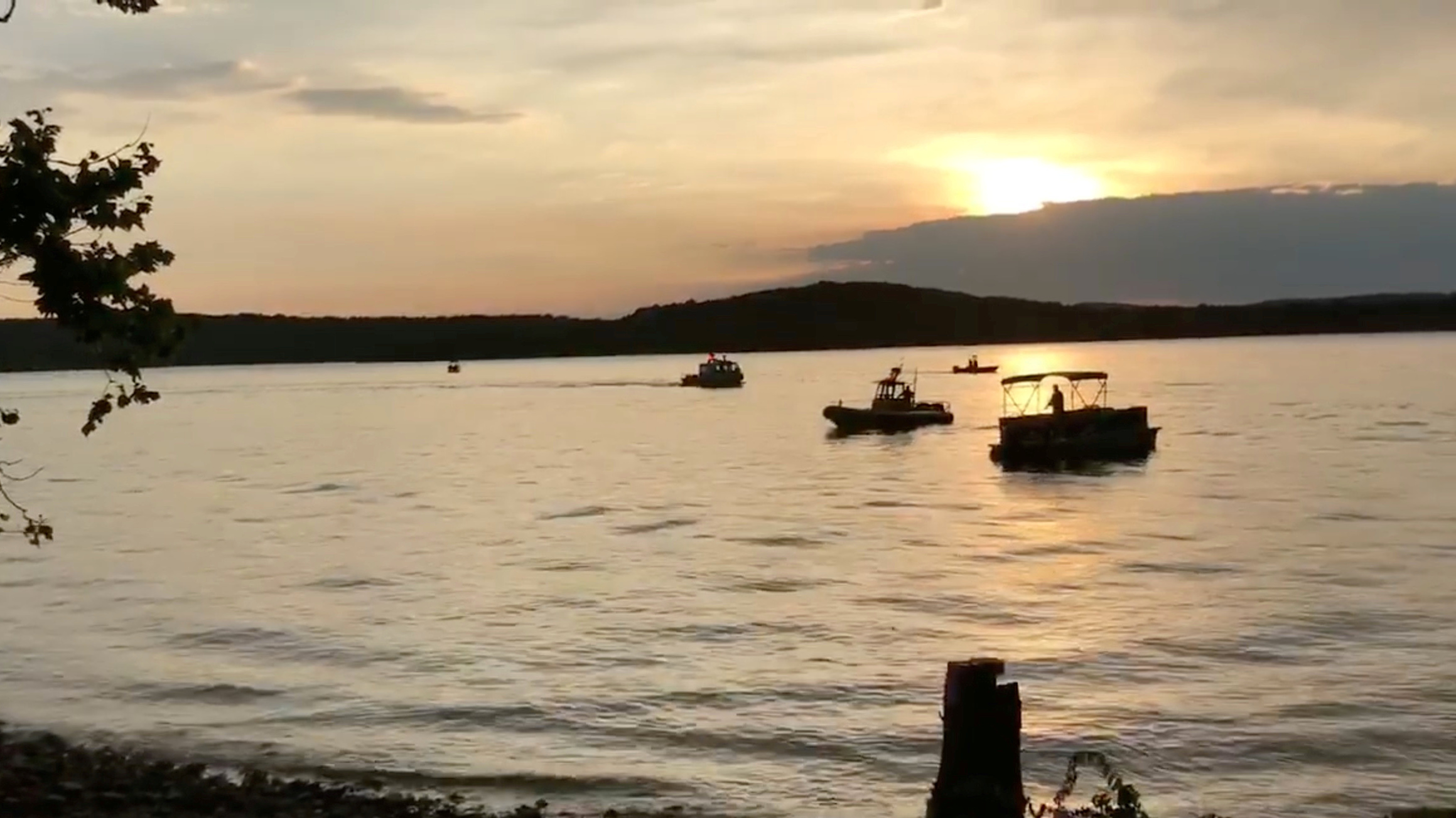 8 fatalities, several hospitalizations confirmed in Missouri duck boat capsizing