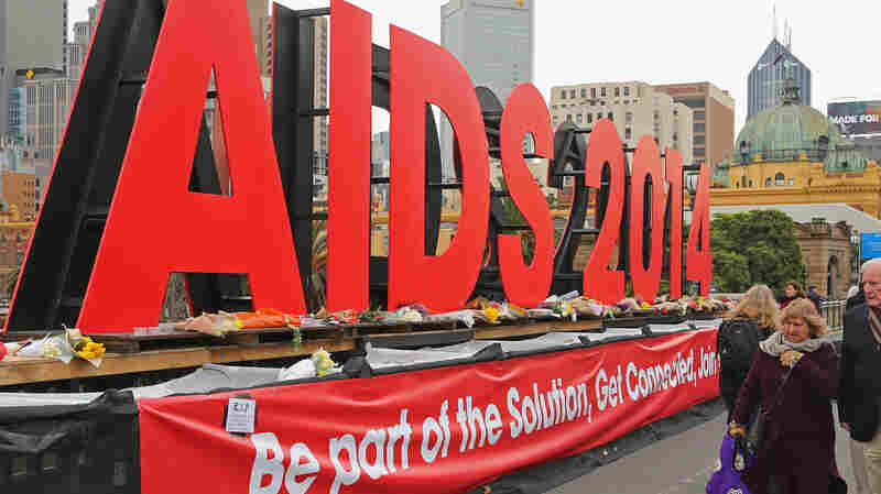 4 Years After MH17 Downing, Advocates Urge Continued Attention To AIDS Crisis