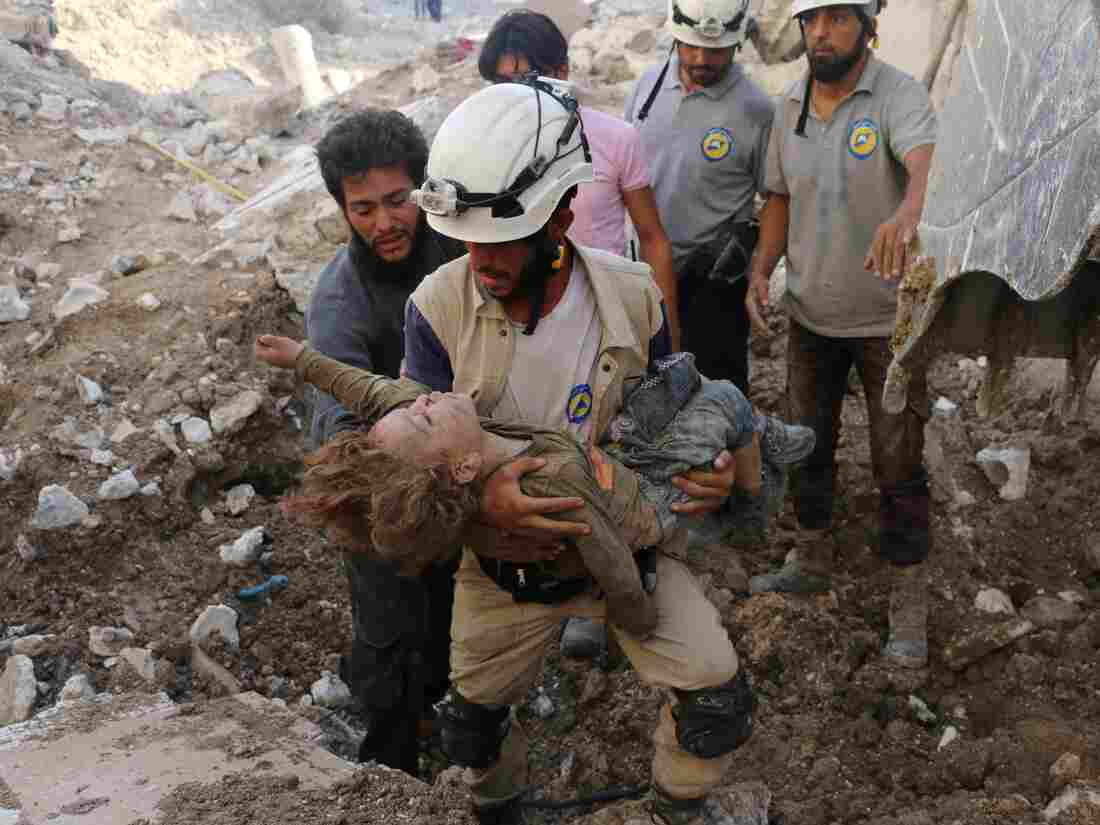 Al Qaeda Cut-Throats 'White Helmets' to Resettle in Canada