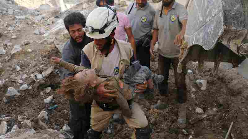 'Rescuing The Rescuers': Stranded Syrian White Helmets Evacuated By Israel