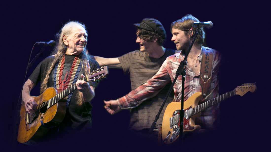 After Illness, Willie Nelson Is On The Road Again With Family At His Side