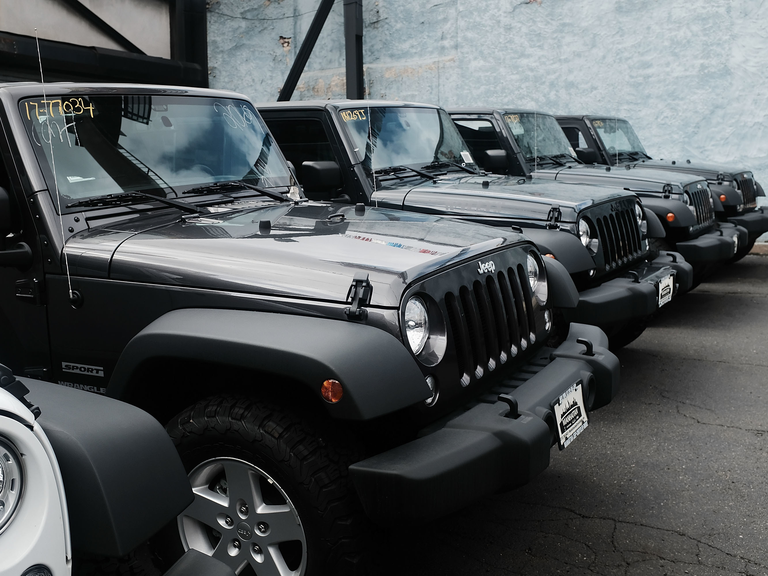 Jeep Wranglers Are Displayed At A Manhattan Fiat Chrysler Dealership The Automaker S Latest Quarterly Earnings Announcement Comes Time Of Deep