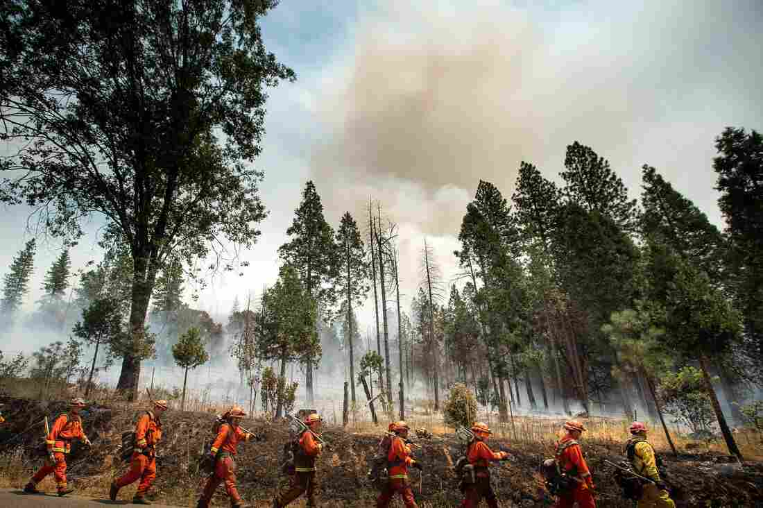 Yosemite cleared out as fire caution