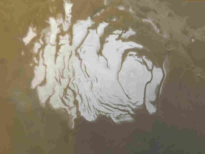 Mars Express Just Discovered a Subsurface Liquid Water Lake on Mars