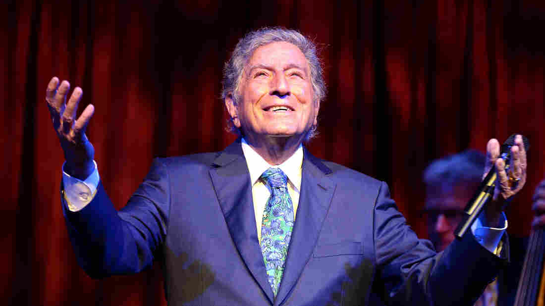 NEW YORK, NY - SEPTEMBER 28: Tony Bennett performs at the ninth annual Exploring The Arts Gala in Sept. 2015 in New York City. (Photo by Dave Kotinsky/Getty Images 8th Annual Exploring The Arts Gala)