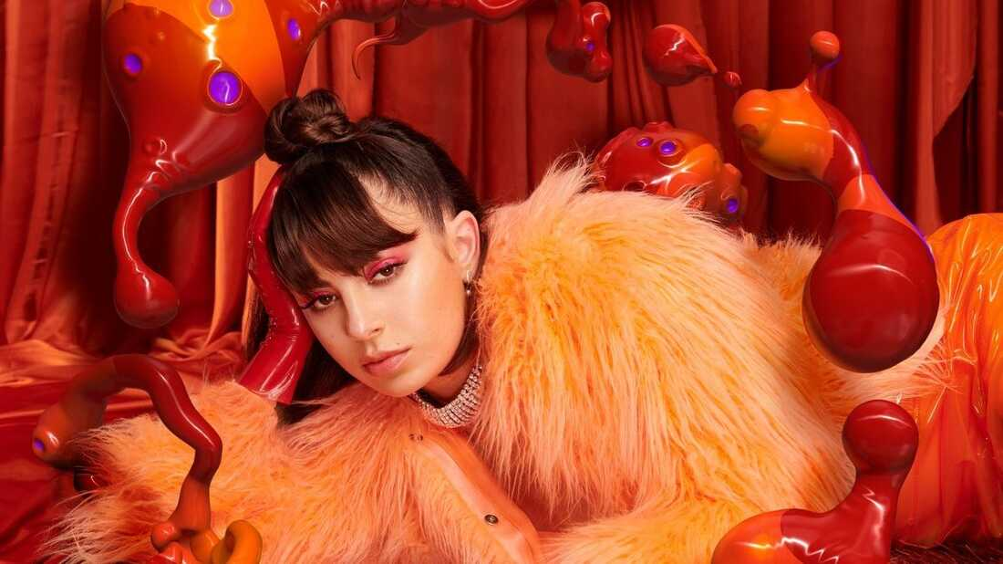 No Boys Allowed: In Charli XCX's Latest Single, It's a 'Girls Night Out'