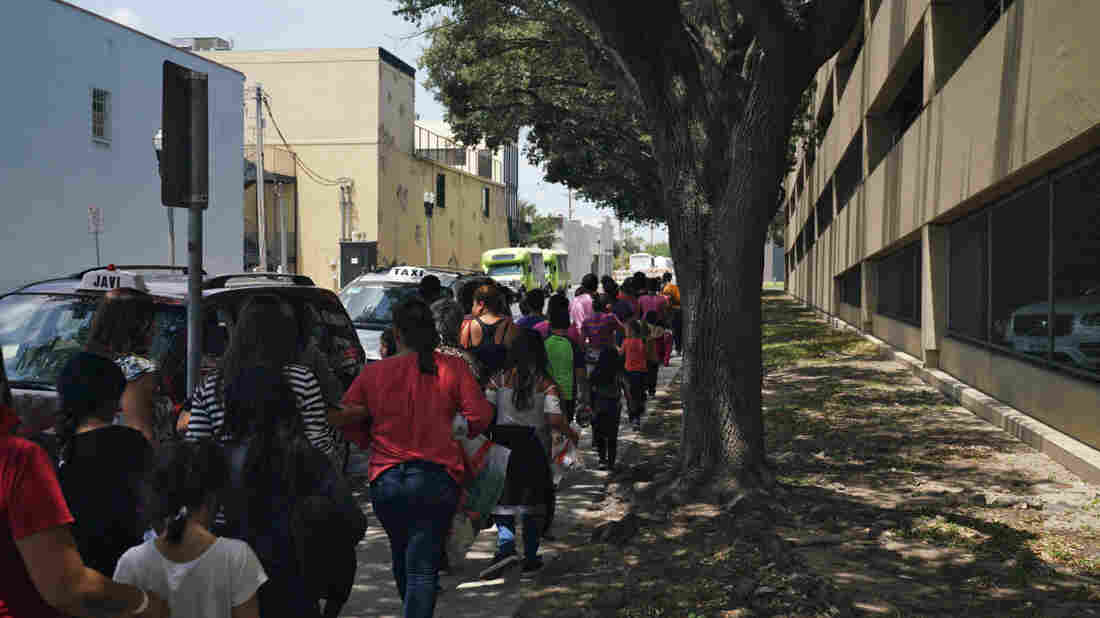 Hundreds of children not reunited by Trump administration as deadline passes