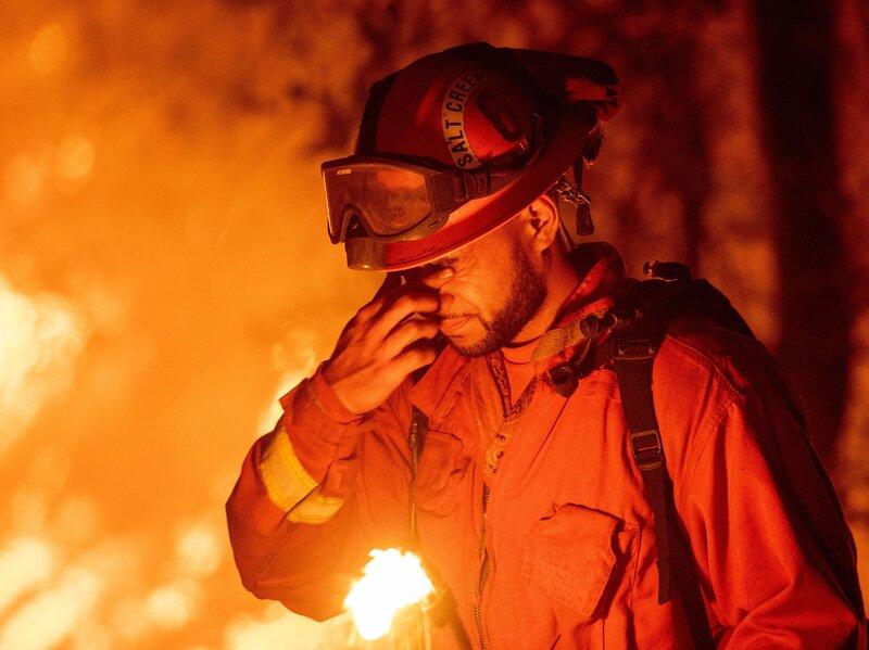 california s carr fire jumps sacramento river blamed for 2 deaths npr