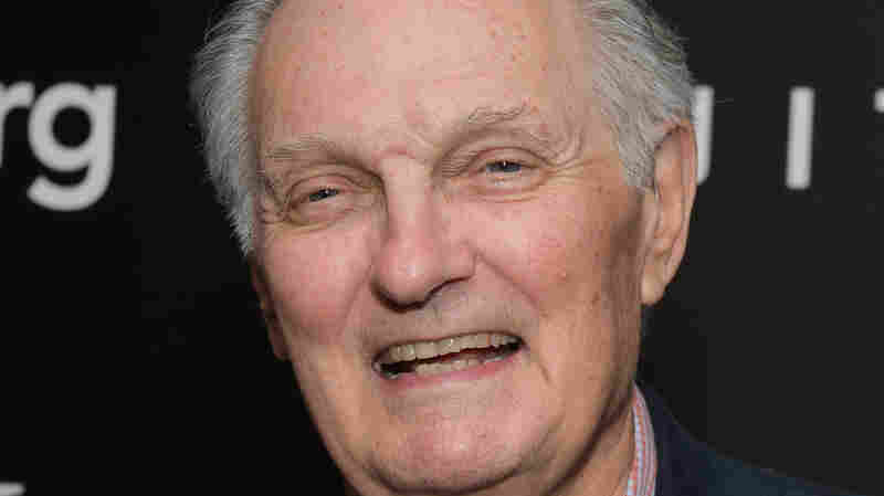 'I'm Not Angry': Alan Alda Says He's Living With Parkinson's
