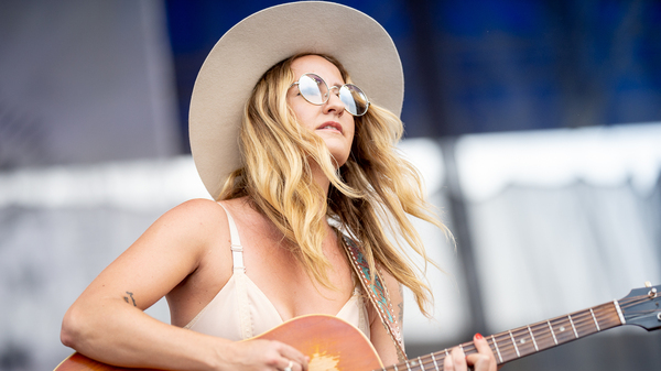 Margo Price performing at the 2018 Newport Festival.