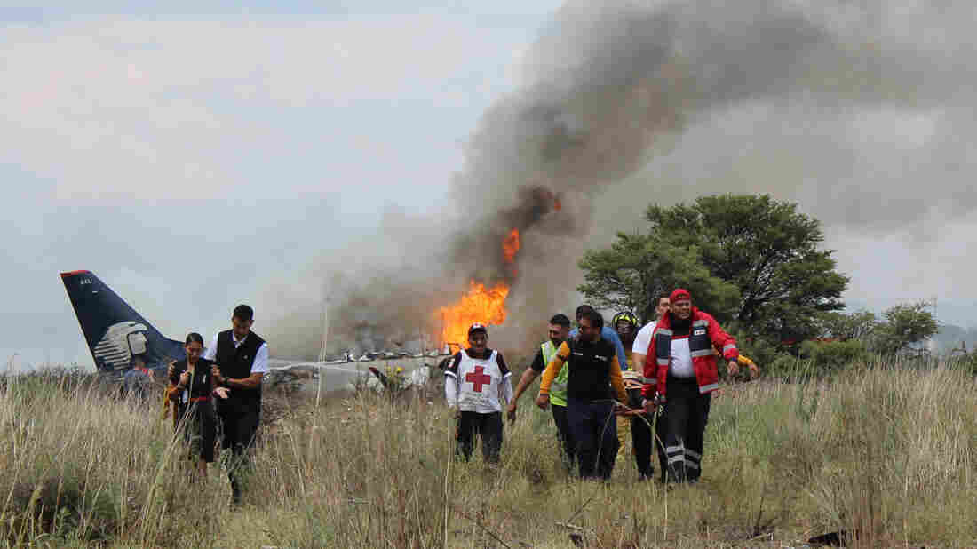 Mexico governor says 'no fatalities' in Aeromexico plane crash