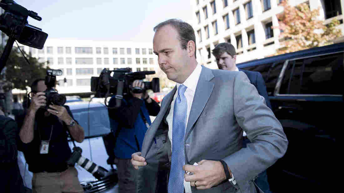 Paul Manafort's ex-aide Rick Gates testifies at trial on Cyprus accounts