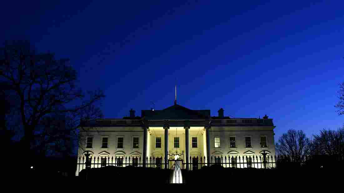 Evening settles over the White House.