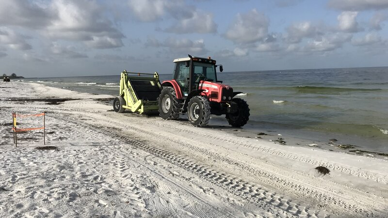Florida S Gulf Coast Battles Deadly And Smelly Red Tide Npr