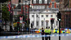 Driver Crashes Car Into Security Barriers At U.K. Parliament; 3 Injured