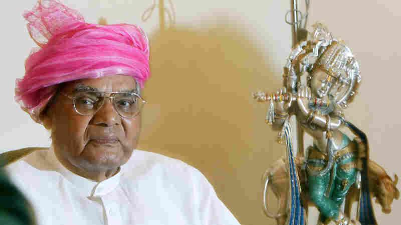 Former Indian Prime Minister Atal Bihari Vajpayee Dies
