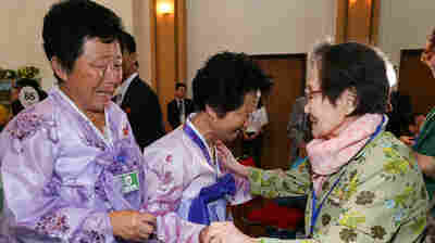 PHOTOS: Separated North And South Koreans Meet For 1st Time In Decades