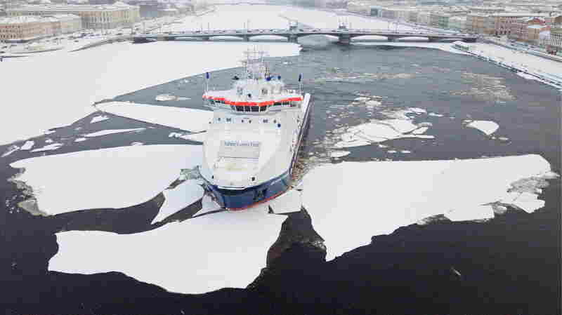 World's Largest Shipping Company Heads Into Arctic As Global Warming Opens The Way