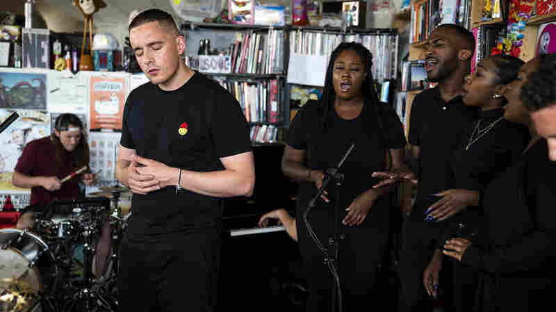 Dermot Kennedy: Tiny Desk Concert