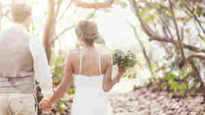 Say 'I Do' Without The Sweat: Wedding Pros Share How They Beat The Heat
