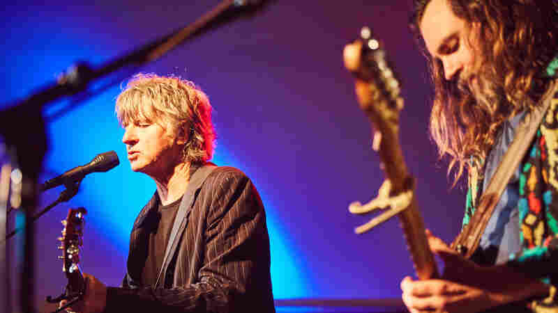Watch Neil And Liam Finn Perform 'Better To Be'