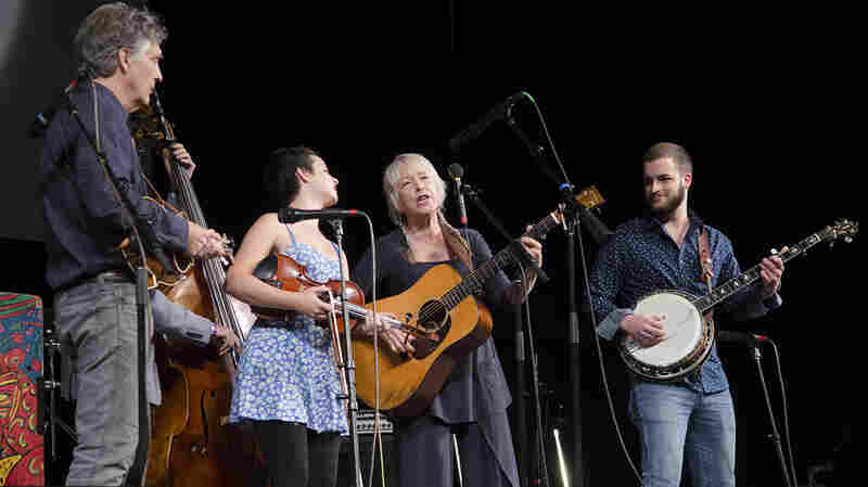 Laurie Lewis And The Right Hands On Mountain Stage