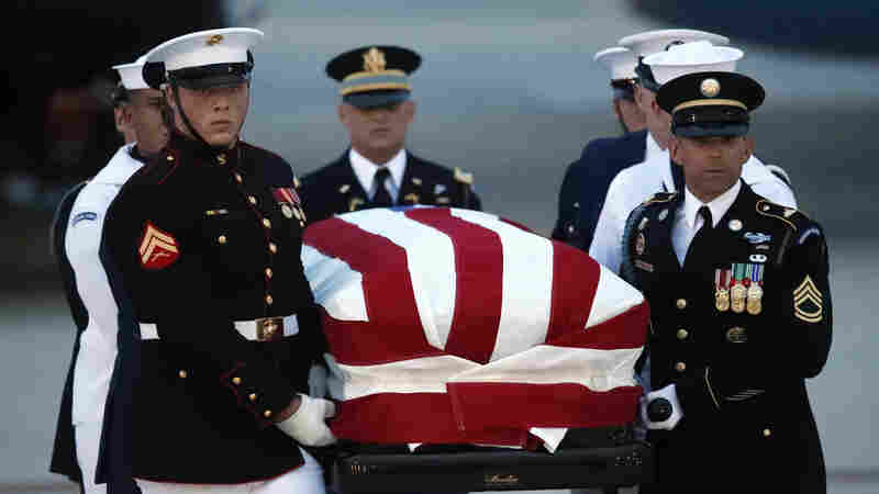 As People Across The Country Mourn, Sen. McCain's Casket Arrives In Washington