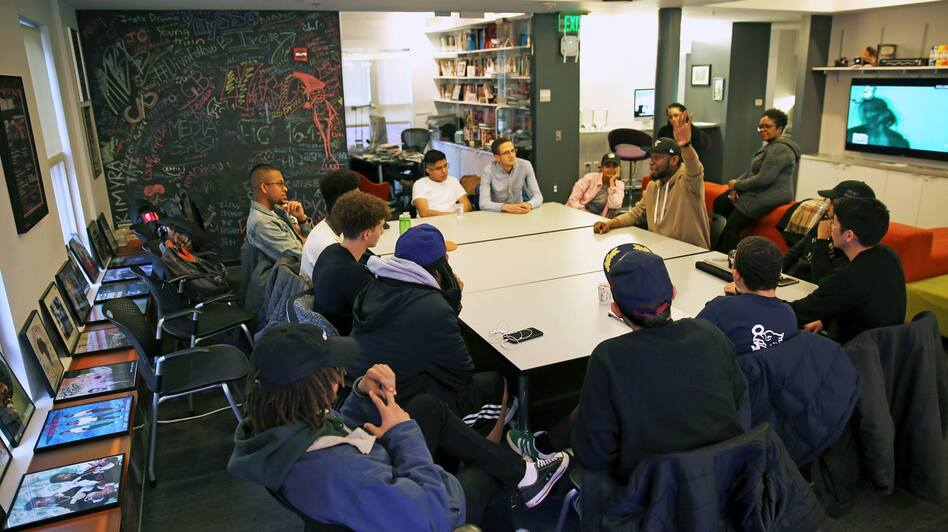 Producer 9th Wonder speaks with student staff members at The HipHop Archive & Research Institute in Jan. 2018. (Harold Shawn /Courtesy of The Hiphop Archive & Research Institute at Harvard)