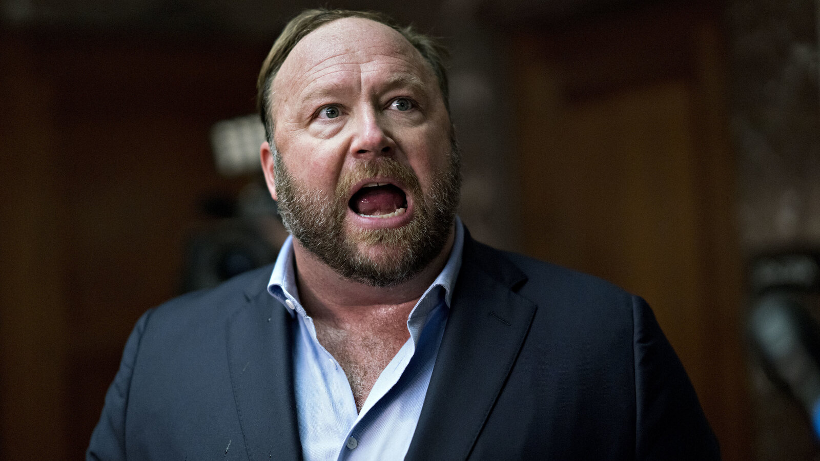 https://media.npr.org/assets/img/2018/09/05/alex-jones_wide-250cf7174f3d98e659b258d2bbbab9a9d24746fa-s1600-c85.jpg