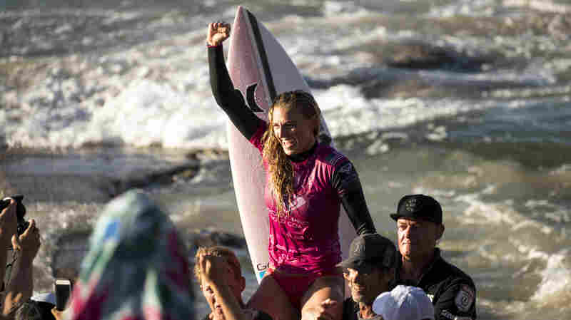 Equal Pay For Equal Shreds: World Surf League Will Award Same Prizes To Men And Women