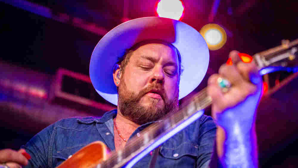 Watch Nathaniel Rateliff & The Night Sweats Perform 'I'll Be Damned'