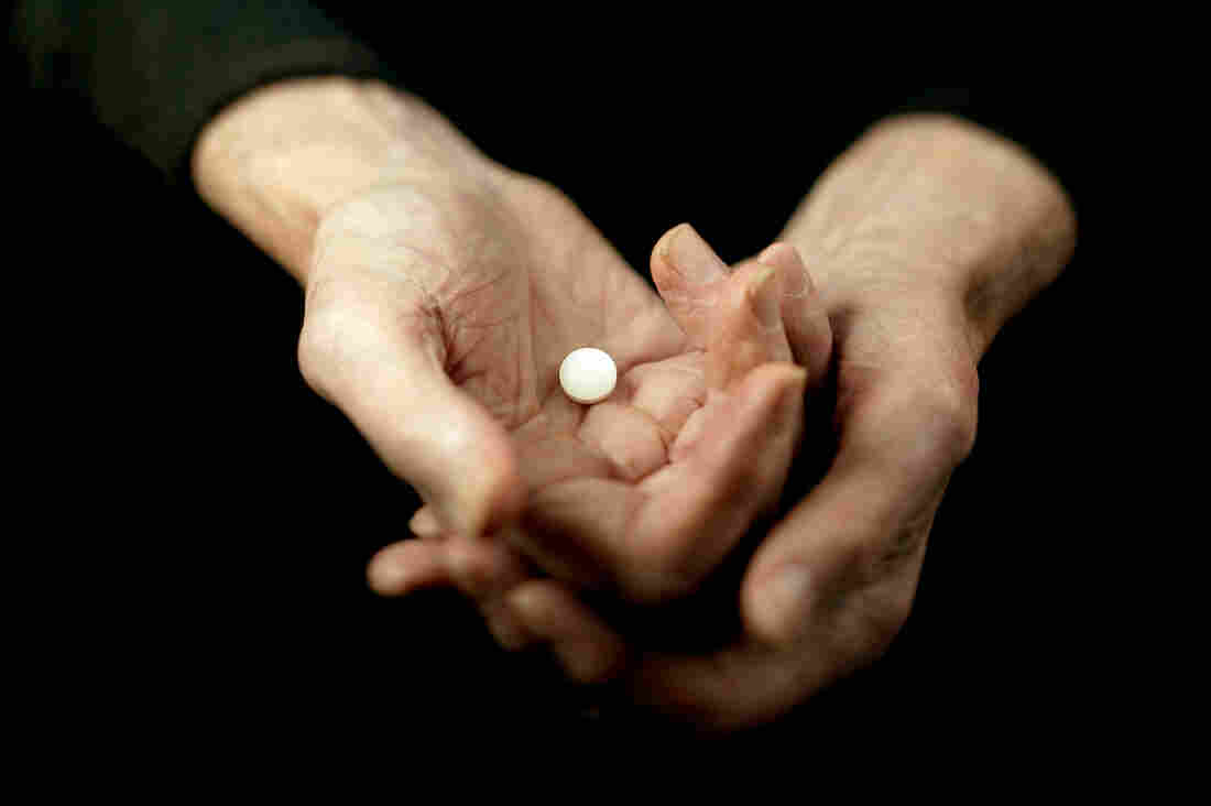 Aspirin dose every day unnecessary for healthy older people