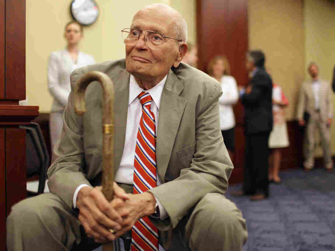 John Dingell Dictated Final Public Words to Wife: 'God Bless America'